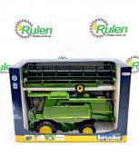 машинка іграшкова - комбайн John Deere Combine harvester T670i, 02132 (Bruder, Германия)